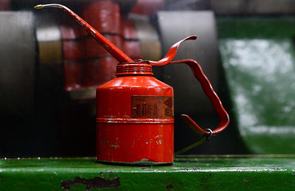 Czy można mieszać ze sobą różne oleje silnikowe?